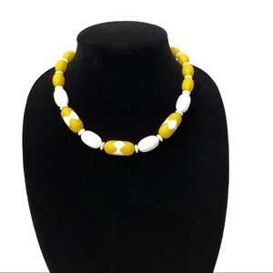 Jewelry - 80's Beaded Yellow & White Necklace